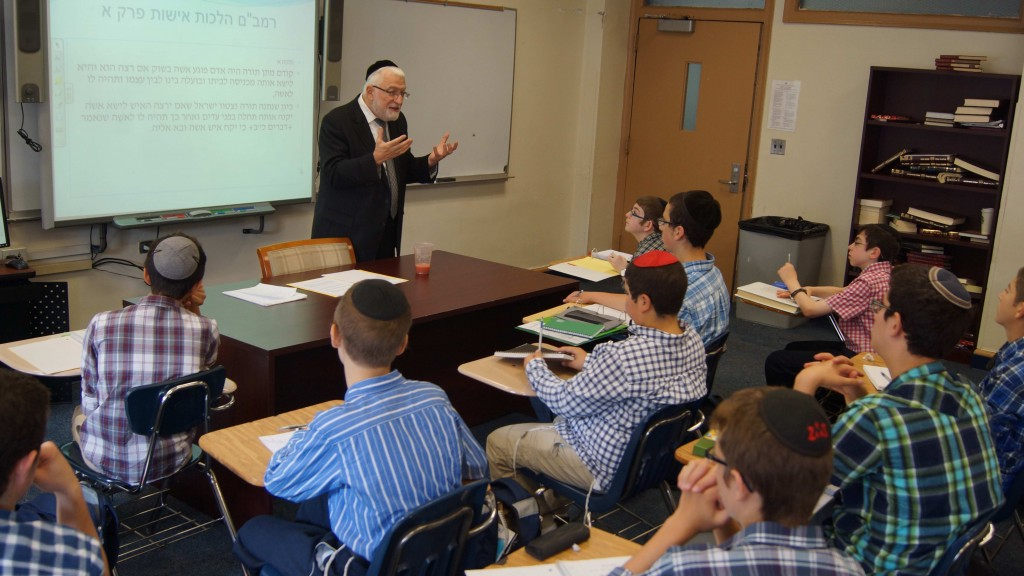 Rav Schachter Speaking with Boys - Small