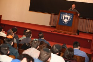 Mayor Moshe Goldsmith Speaks to Students at YU Event