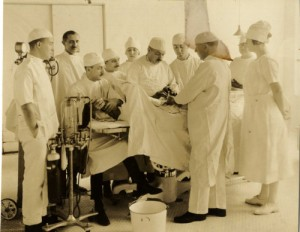 Surgery, Newark Beth Israel Hospital, early 20th century / Collection of the Jewish Historical Society of New Jersey