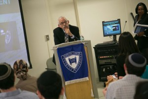 Dr. Sam Gellens, assistant director of the Jay and Jeanie Schottenstein Honors Program
