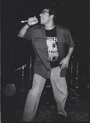 Etan_Singing_300