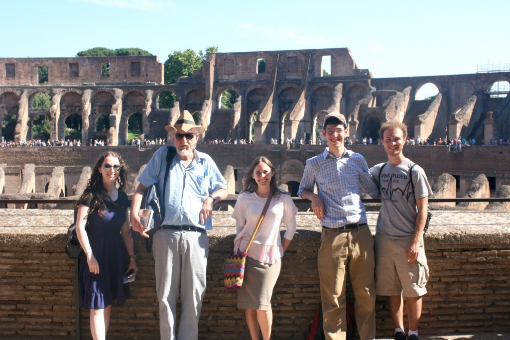 Prof. Cwilich with students at the Colosseum