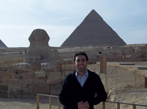 RIETS student, Sion Setton, visits the pyramids and the Sphinx on the last day they were open to the public.