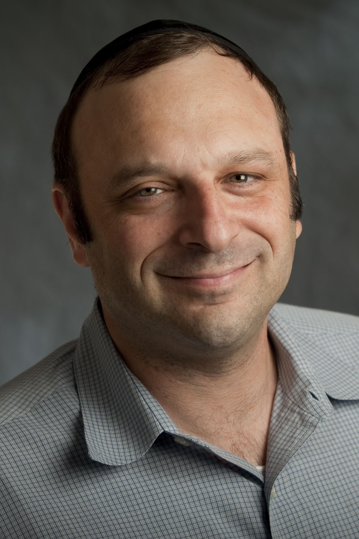 Dr. Avi Giloni