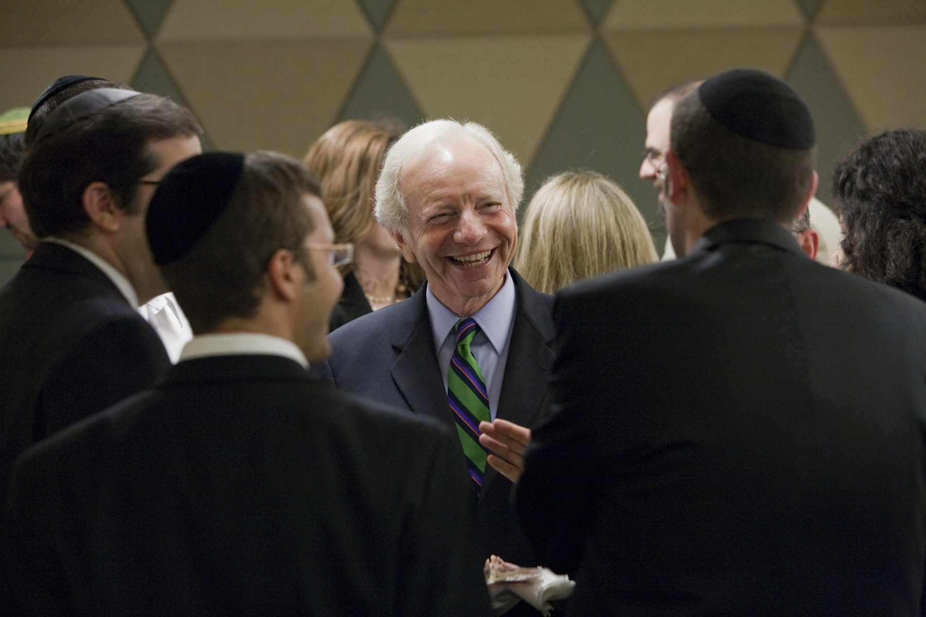 Senator Lieberman meets with student leaders at a special dinner preceding the event.