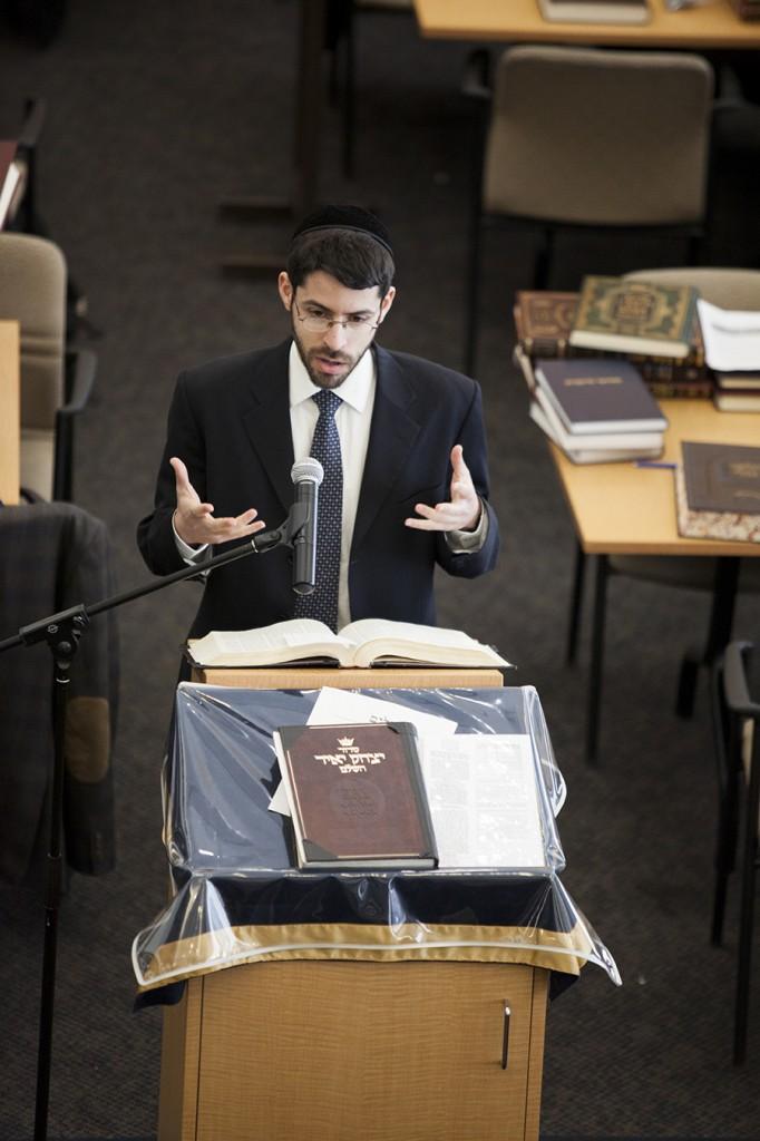 Rabbi Ephraim Meth completed Shas at Glueck