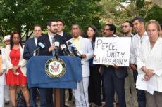 Rabbi Yosef Kalinsky speaking at vigil.
