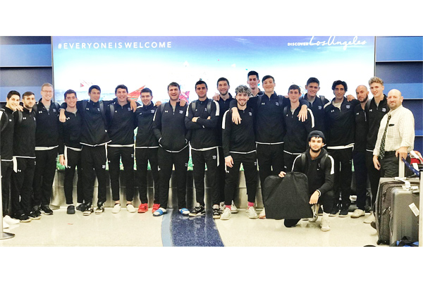 Group photo of YU men's basketball team
