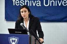 Dr. Vera Békés