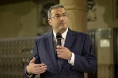 Rabbi Dr. Ari Berman speaking at the Crossroads of Civilization Museum in Dubai, UAE